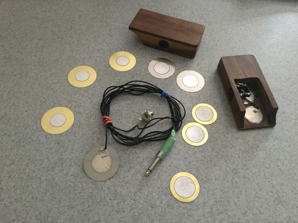 How to Build a Daxophone Soundbox