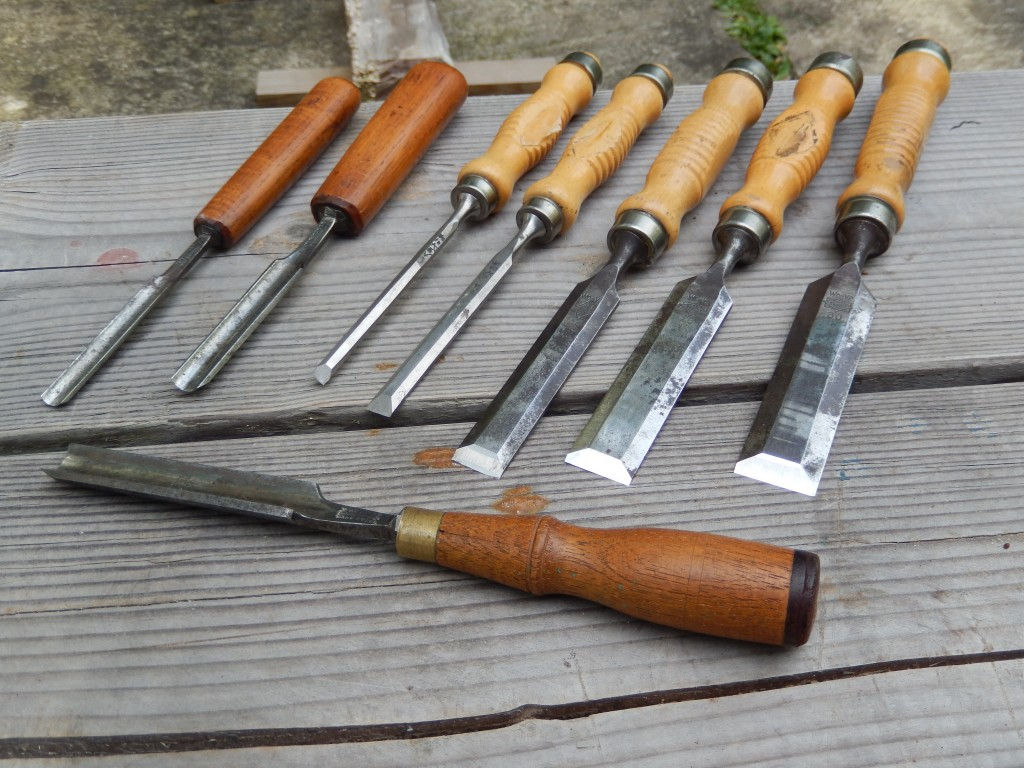 This is the lot of five chisels and three gouges that I won on eBay. At a cost of $34 I think it was a very good deal.