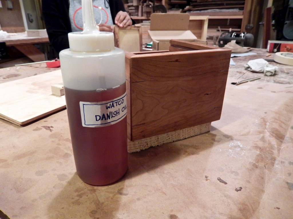 You can use the pad very effectively for applying oil finishes too. In this case a Watco Danish Oil