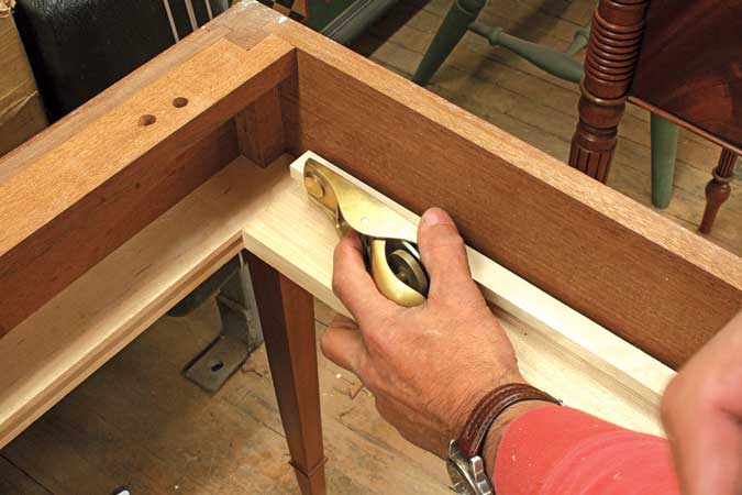 dovetailed drawers plane guides