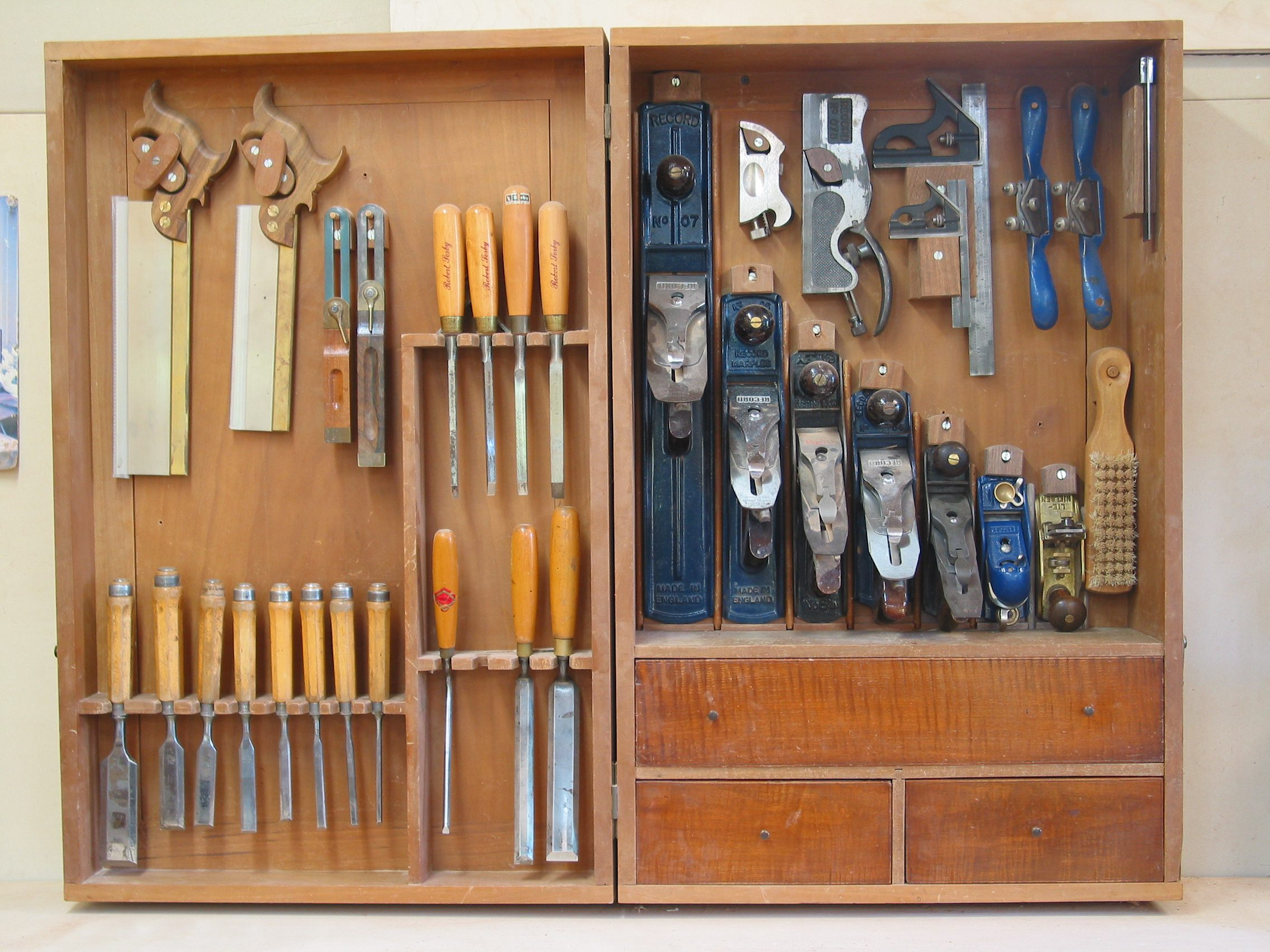 One furniture makers tool cabinet popular woodworking magazine chucks old tool cabinet malvernweather Choice Image