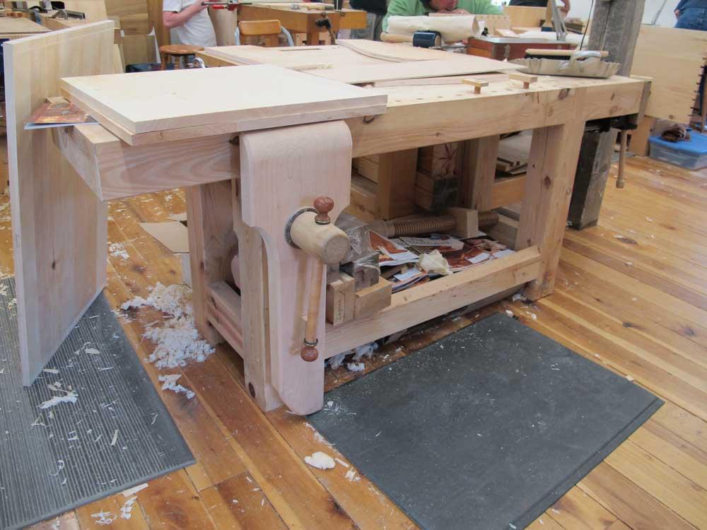 School Woodworking Bench : Creative Blue School ...