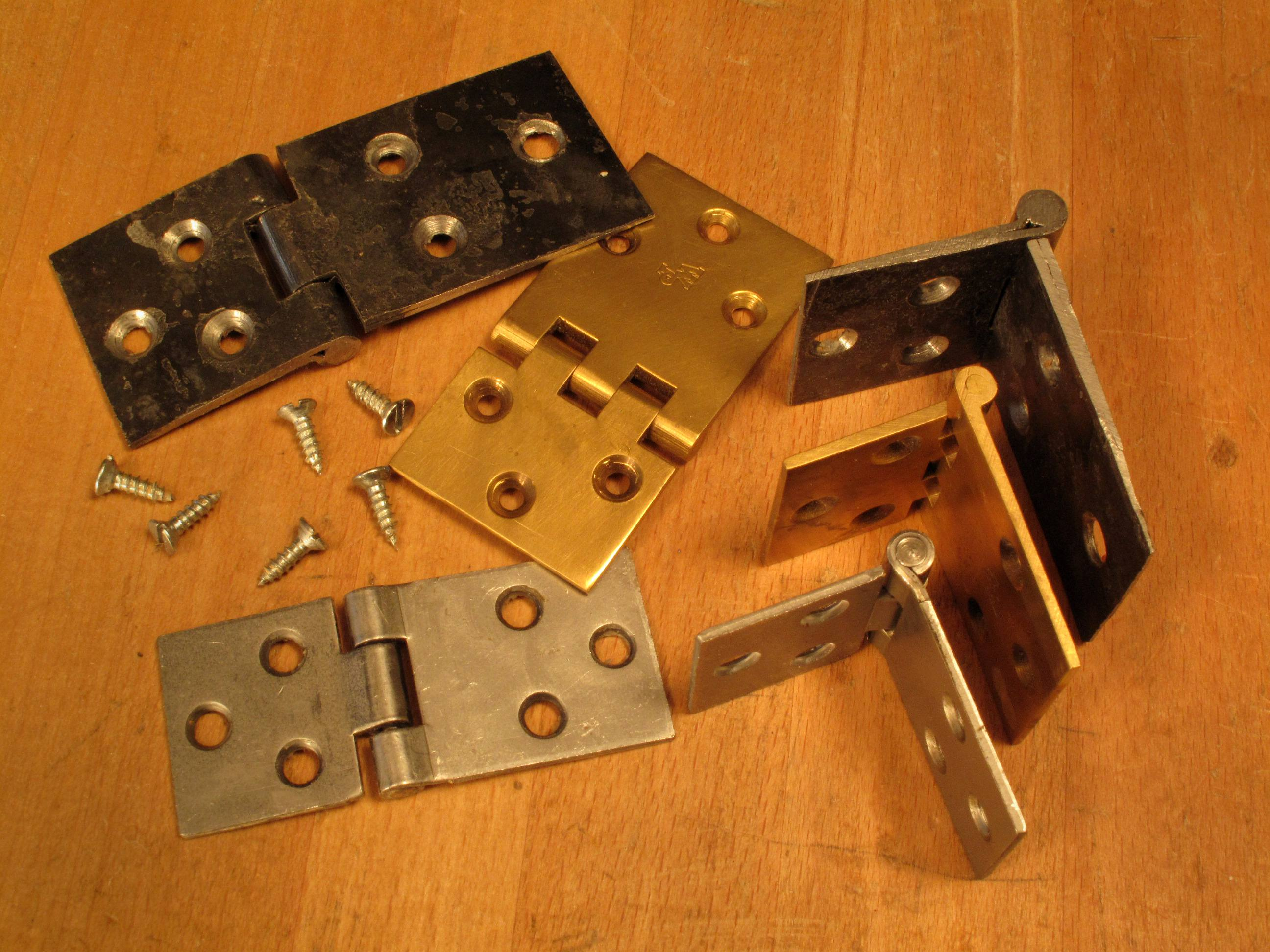 Sources for Rule Joint Hinges - Popular Woodworking Magazine