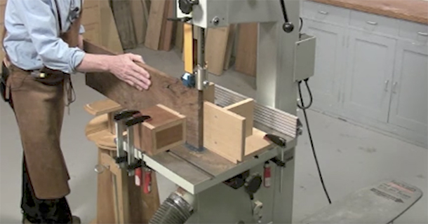 Bandsaw jigs for better resawing popular woodworking magazine a well tuned bandsaw is a perfect tool for resawing adding a few jigs to the process makes resawing better safer and easier the thin blade on a bandsaw keyboard keysfo Gallery