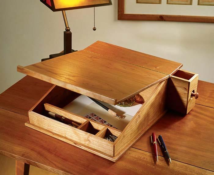 Beautiful Building Wood Desks Design Inspirations