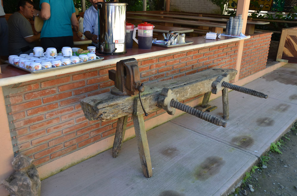 Workbenches, Mexi-Roman Style - Popular Woodworking Magazine