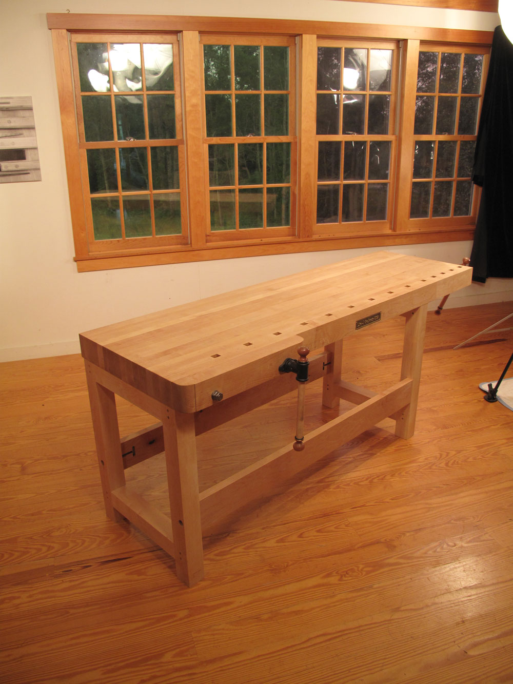 New Workbench From Lie Nielsen Toolworks Popular