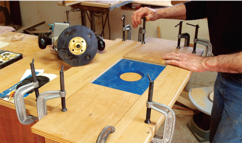 Simple router table popular woodworking magazine keyboard keysfo Image collections