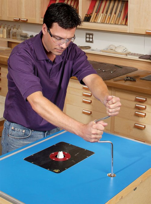 AW Extra 8/9/12 - Shop-Made Router Lift - Popular Woodworking Magazine