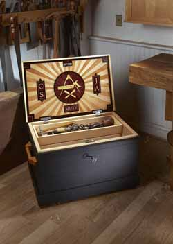 Traveling Tool Chest - Popular Woodworking Magazine