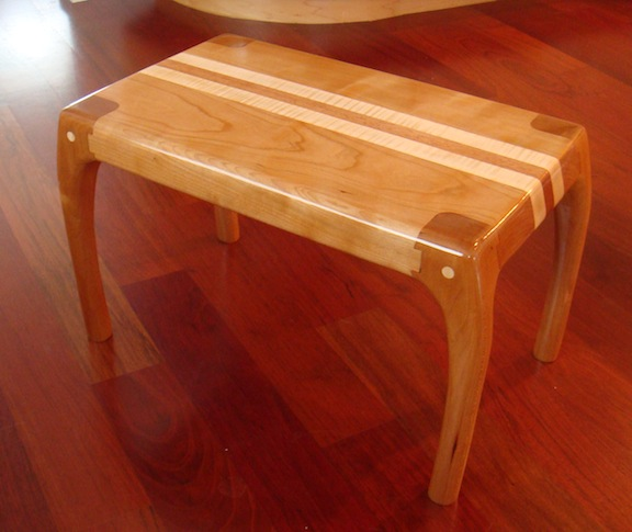 Maloof Style Joinery Revealed In Footstool