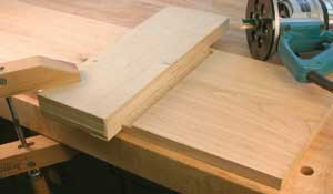 Glen Huey's set-up for cutting a dado with the straight-cut jig.