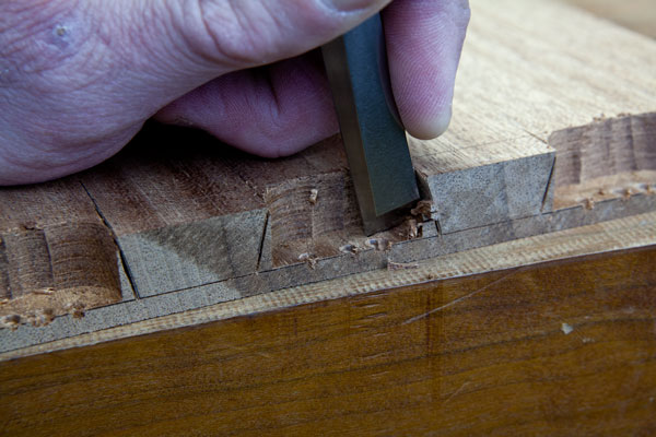making full blind dovetail joints