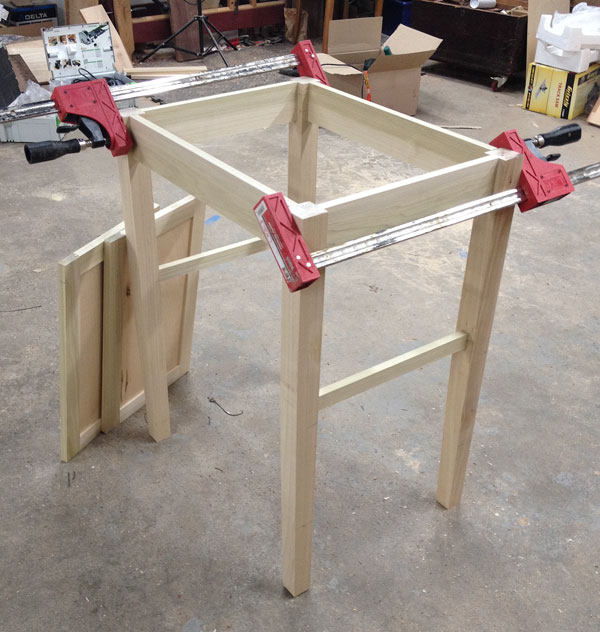 Jointer Makes Quick Work of 'Cankle Table' Tapered Legs