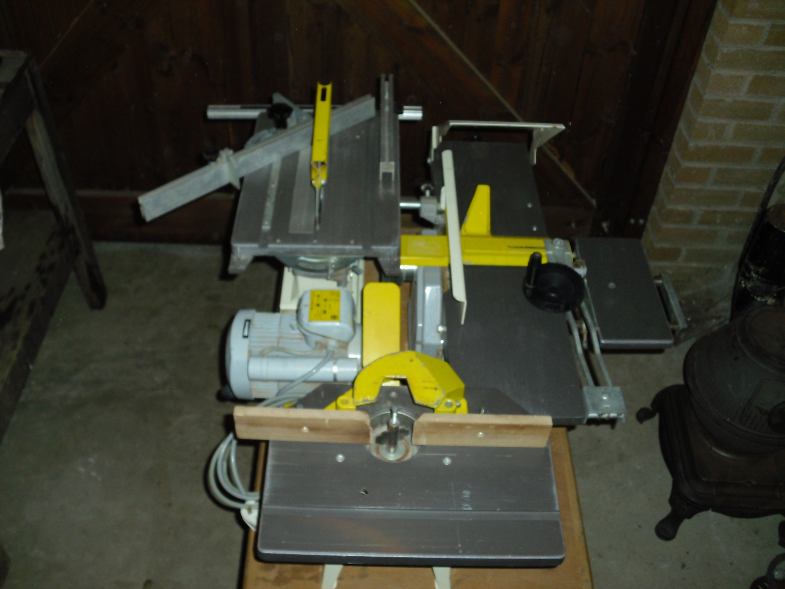Innovative At $500, It Seemed Pricey For A Saw With A Softstart Router Motor, But I Got It For Pennies On The Dollar Through Popular Woodworking  My Present Table Saw Is Part Of A Combination Machine Kitty From Belgium With A Jointer, Planer,