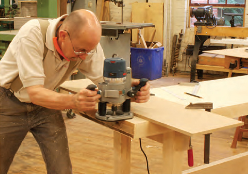 Diy master cabinetmaker 39 s bench plans make a workbench for Cabinet makers