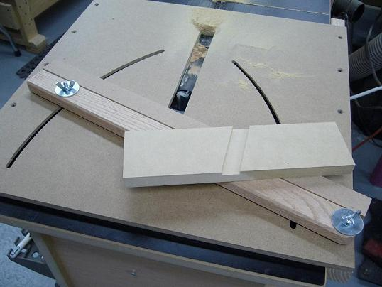 Router Table Angled Dado Jig Popular Woodworking Magazine