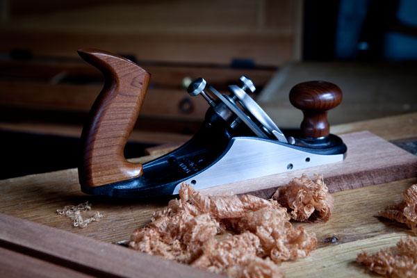 ... Adjust the Cap Iron on a Veritas Plane - Popular Woodworking Magazine