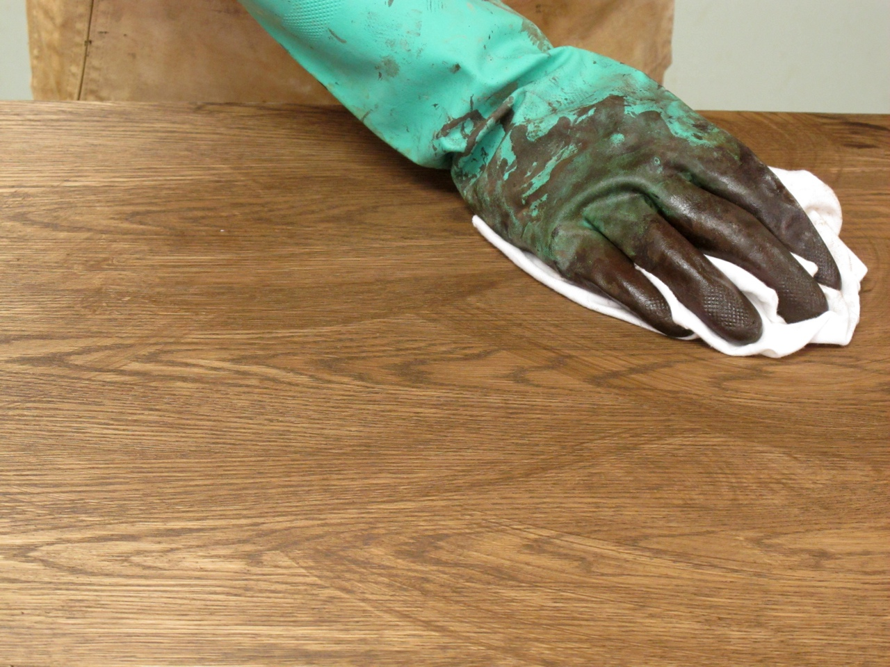 ... Between Water-Based and Oil Stains - Popular Woodworking Magazine