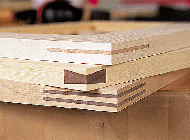 Frame Miter Joints: These jigs can help you cut and clamp 'em.