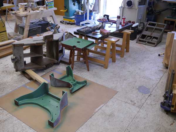 ... & restoring vintage shop machinery.' - Popular Woodworking Magazine