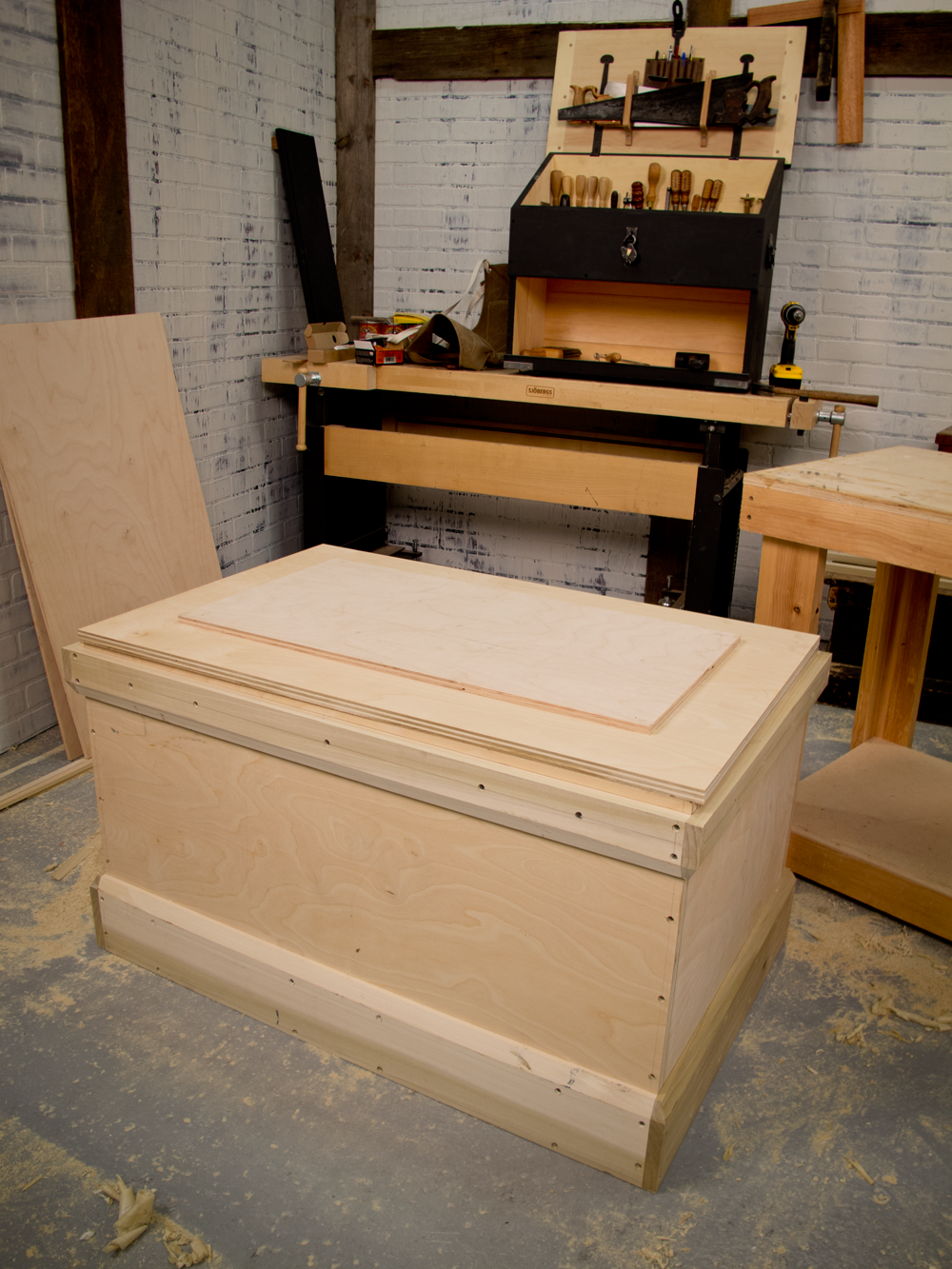 ve now built more than a dozen traditional tool chests entirely by ...