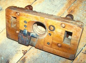 A Vintage Spindle Threading Machine Popular Woodworking