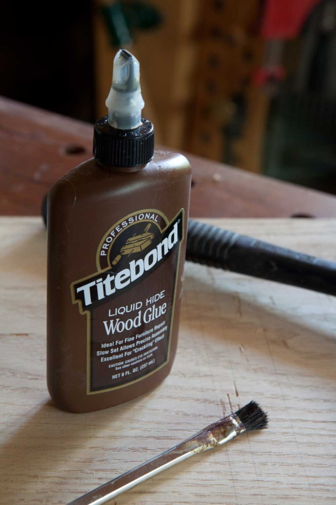 Best Wood Glue: Franklin Titebond liquid hide wood adhesive